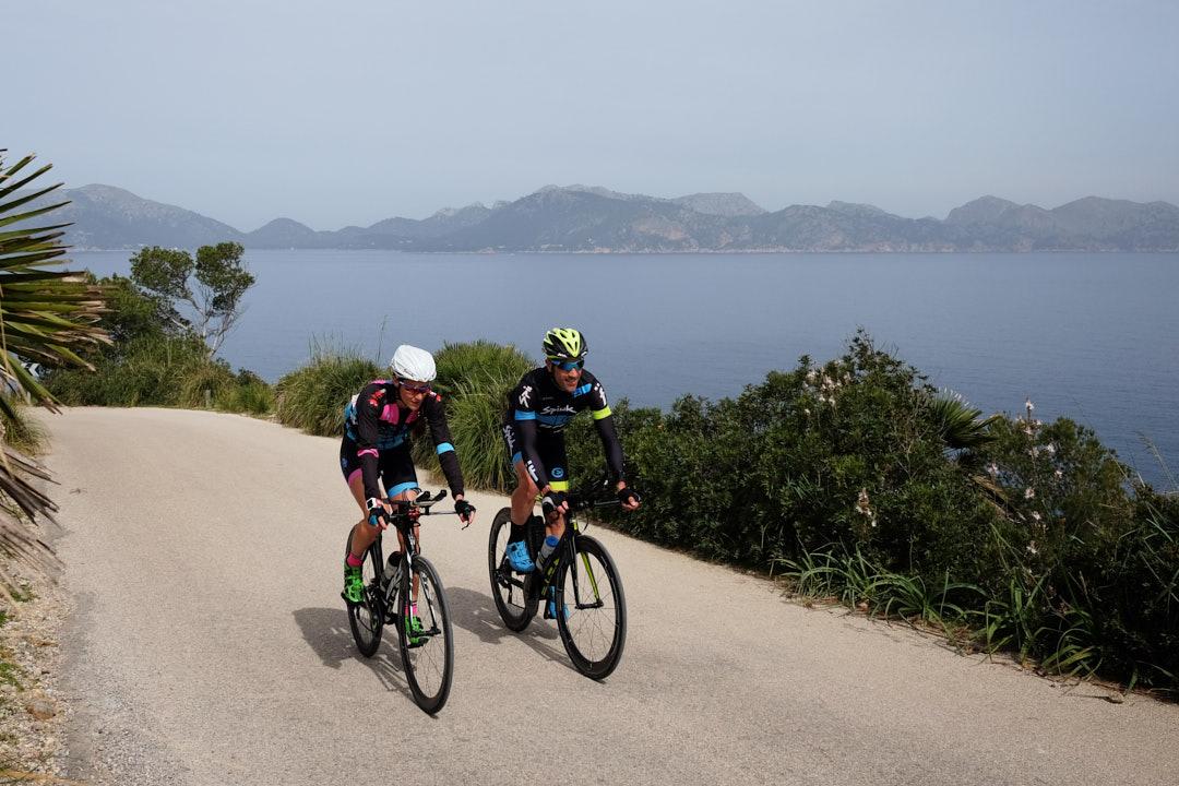 La Victoria ciclismo triatlon Eneko Llanos Rut Brito