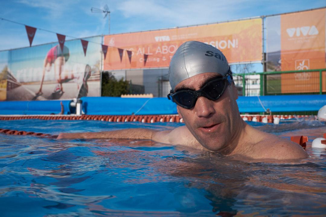 Natación Eneko Llanos piscina VIVA Blue